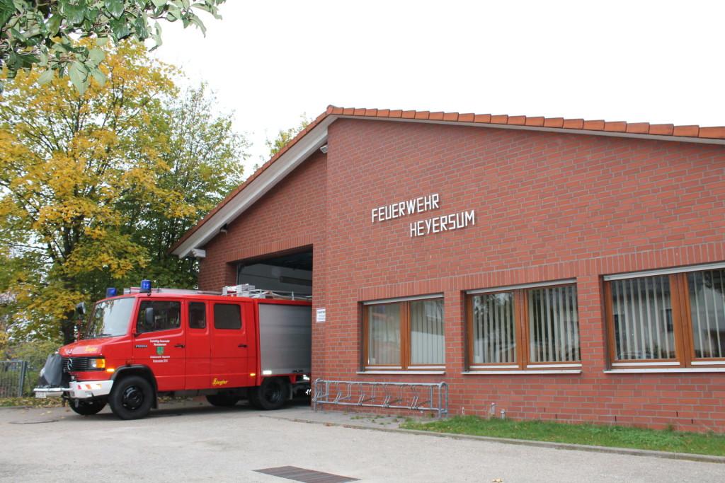 Feuerwehrhaus 10.2015-3 [242812]