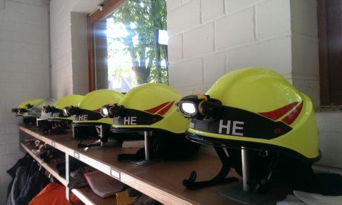 Neue Einsatzhelme für die Feuerwehr