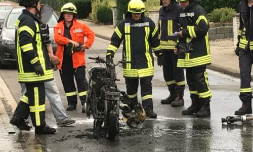 Brennender Motorroller